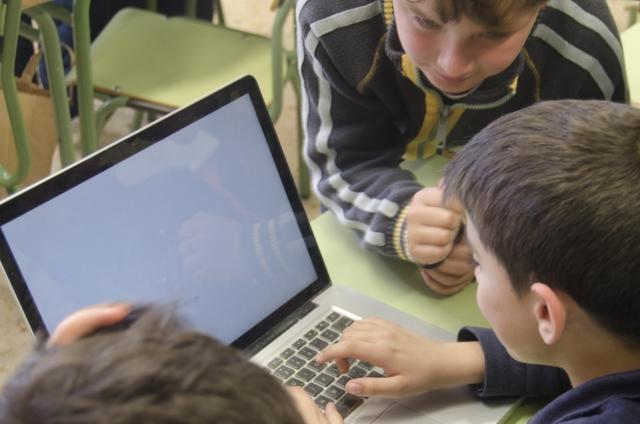 プログラミングは子どもたちの自由な発想力や創造性を養う