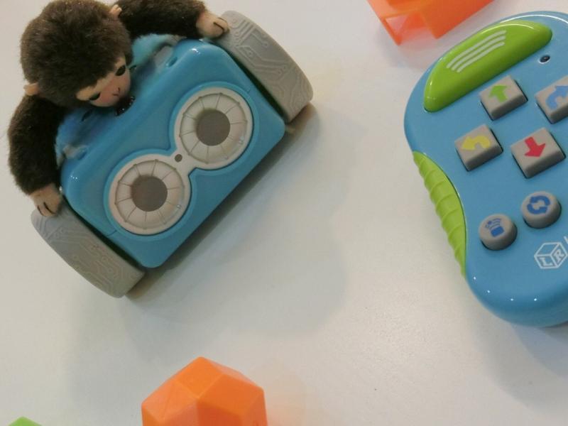 ラーニングリソーシズ社が発売するコーディングロボット「ボットリー」